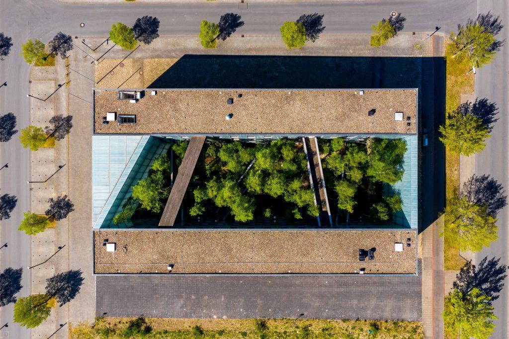 Gebäude am Expo Gelände fotografiert mit der Drohne
