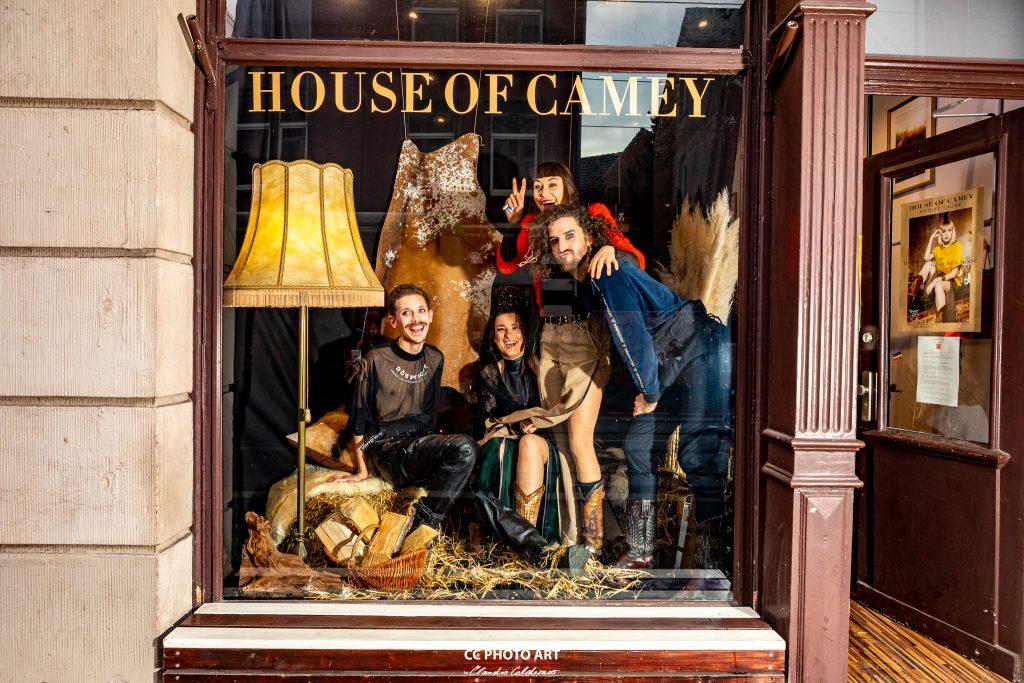 Schaufenster Shooting mit Dörpwicht bei dem House of Camey Shop